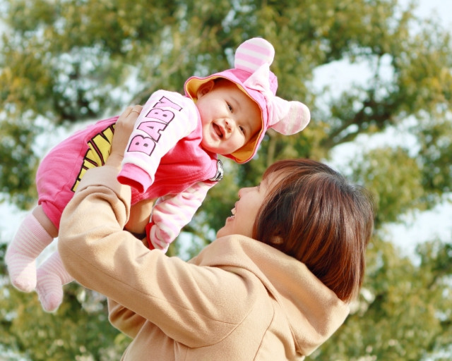 産後の肩こりの原因を知り、改善に導きましょう!