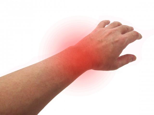 腕の痛みの原因は?